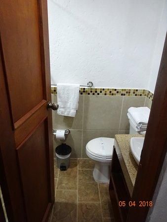 La Campana Hotel Boutique: Sdb-toilettes