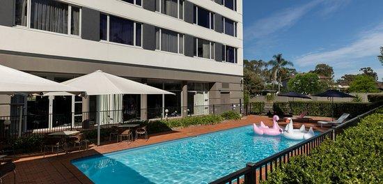 Rydges Bankstown: Hotel Pool