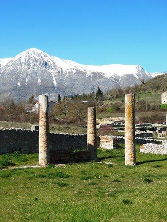 Forme, Italia: Alba Fucens