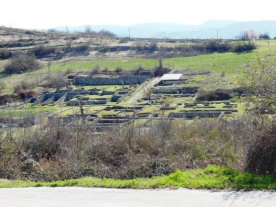 Forme, Italia: Alba Fucens Veduta