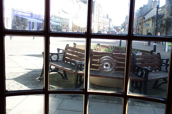King Alfred's Kitchen: A view of the High st