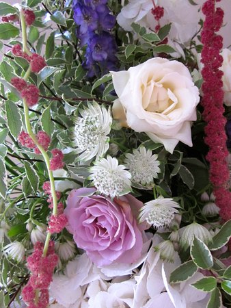 Country garden hand-tied flower workshops Rye East Sussex