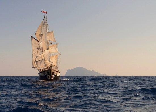 Lipari, Italie: Florette sailing