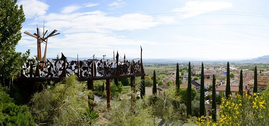 Jun, Spain: Terraza Suspendida en el aire