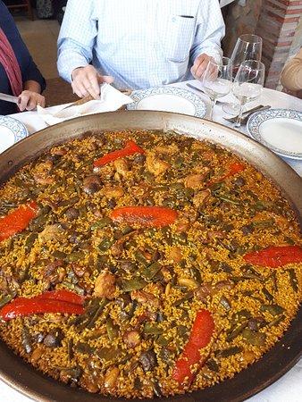Barx, Spanien: Paella
