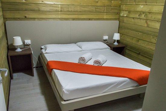 Vendesi Camera Da Letto Matrimoniale.Camera Da Letto Matrimoniale Picture Of Hotel Policoro Village
