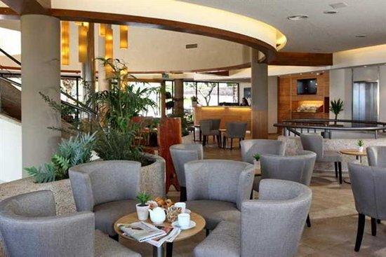 מושב רמות: The lobby restaurant