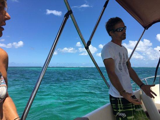 Notre skipper guide, interprète,steward,j'ai nommé Baptiste