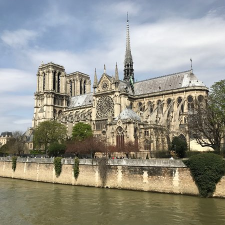 Donation for the reconstruction of Notre Dame Cathedral & surrounding Tour: Notre-Dame Cathedral Guided Tour