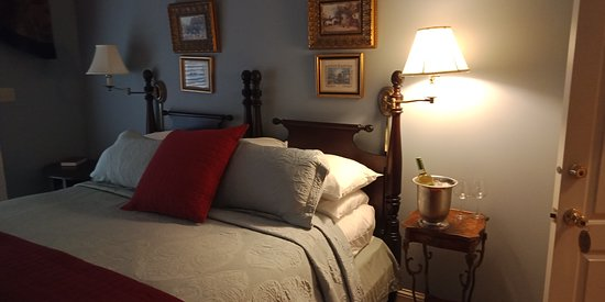 Nesbit, MS: All rooms are beautifully furnished