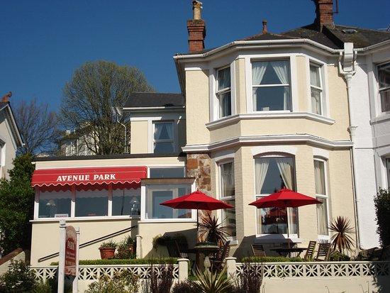 Avenue Park Self Catering Villa sleeps 7