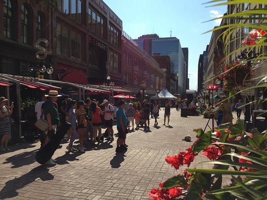 Ottawa, Canada: Summer on Sparks Street