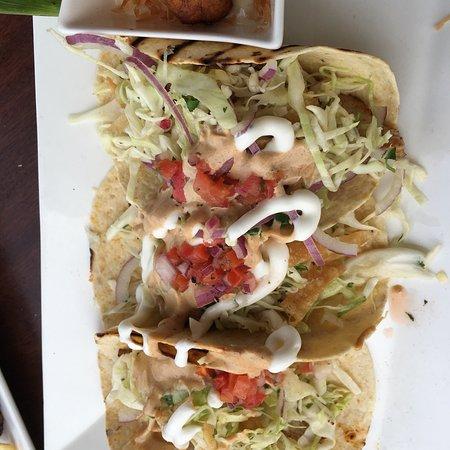 Tommy Bahama Restaurant & Bar: photo1.jpg