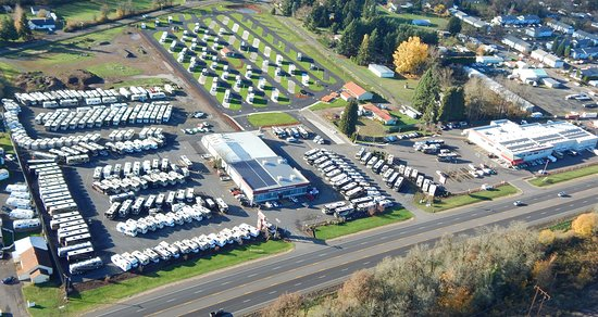 Junction City, OR: RV Park behind Guaranty RV Travel Center
