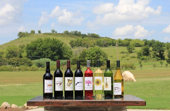 Winfield, Канзас: We have delicious wine for you to sample or buy.