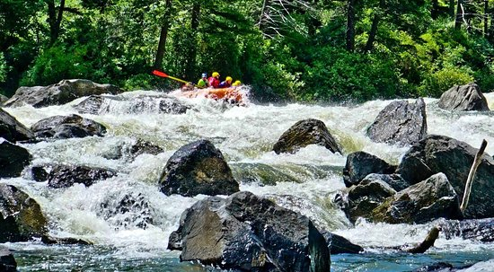 Gallatin Gateway, MT: Rafting through Bear Trap Canyon on the Madison River