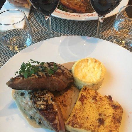 Chatillon, France: Cuisine gourmande et de qualité. Des plats généreux et bien cuisinés. Restaurant très conviviale