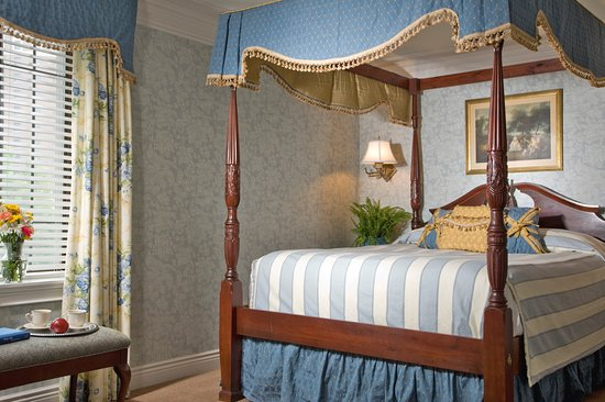 The red coach inn historic bed and breakfast hotel for New york bed and breakfast economici