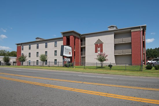 Markham house suites updated 2018 motel reviews price for Cost to build a house in little rock