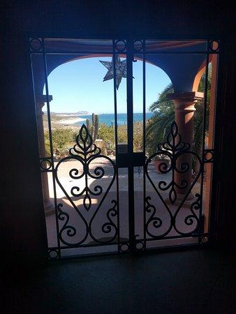 Villa del Faro: Front entrance