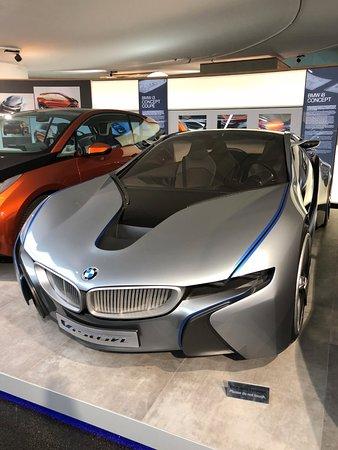 Electric sport car i7