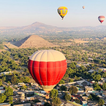 Globos Aerostáticos En Teotihuacan