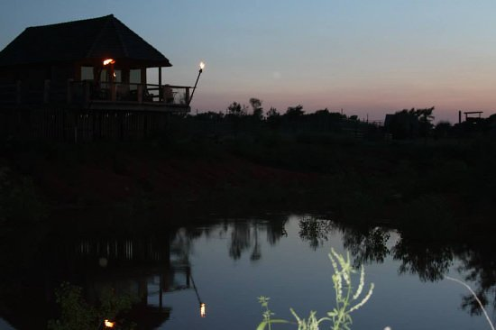 Tuttle, OK: African Safari Huts