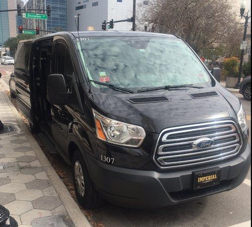 Imperial Transportation: Van 11 pax