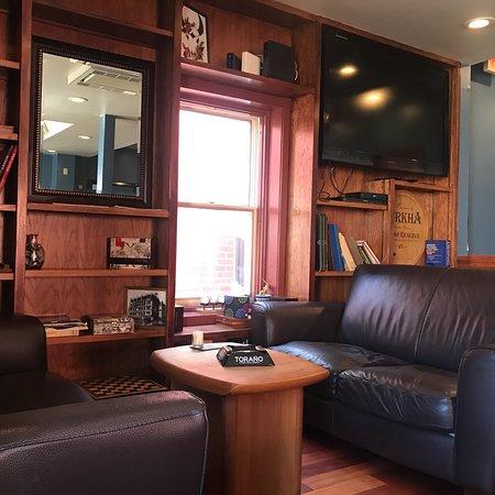 La Casa Del Puro - Cigar Lounge