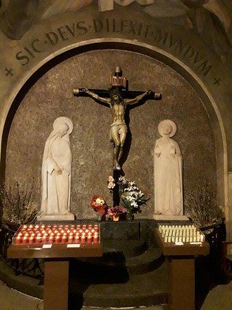 Jesucristo En La Cruz Fotografía De Iglesia De Betlem Barcelona