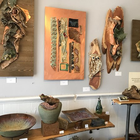 Dahlonega, GA: Hall House Fine Arts Gallery