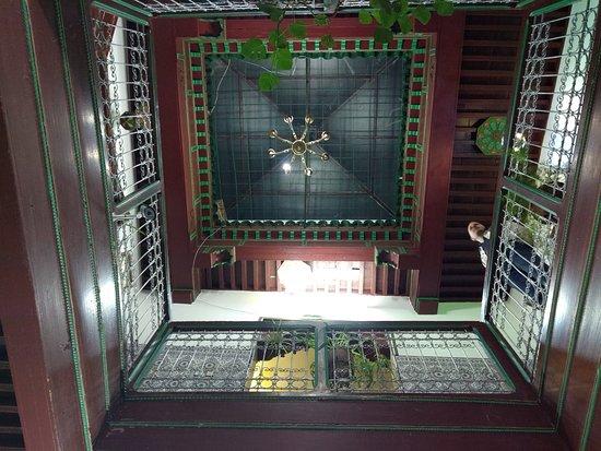Moulay Idriss, โมร็อกโก: Interior balconies.