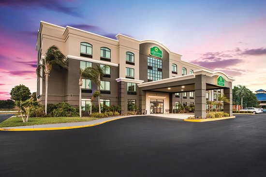 La Quinta Inn & Suites Clearwater South: Exterior