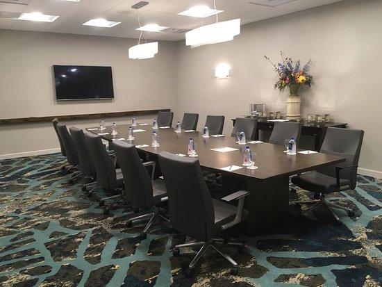 Crowne Plaza Ventura Beach: Meeting room