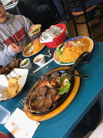 Things To Do in Independence Grove Forest Preserve, Restaurants in Independence Grove Forest Preserve