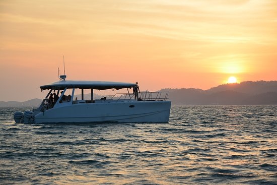 Kuah, Malasia: Explore Langkawi with our beautiful catamaran
