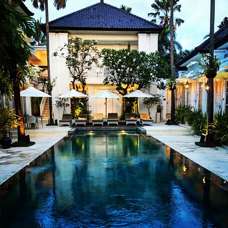 The Colony Hotel Bali : Pool at sunset
