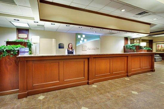 Auburn, NY: Lobby