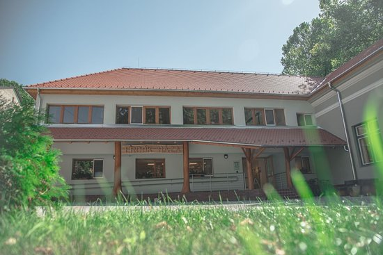 Kaposvar, Hungria: Az Erdők Háza épülete kívülről.