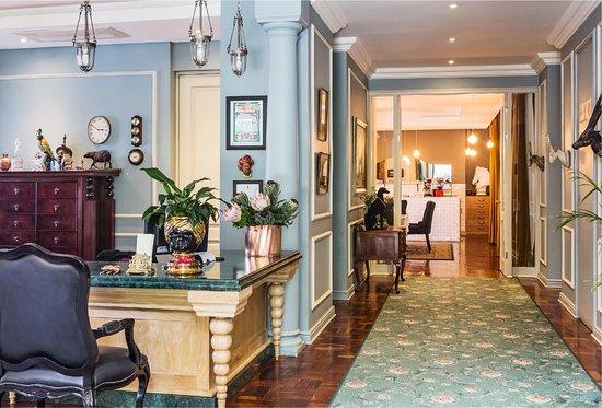 The Winston Hotel: Lobby