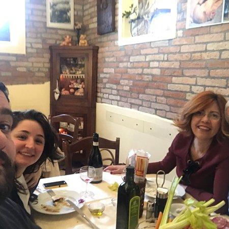 Ristorante La Ca' Dal Porc: Un posto che consiglio X chi ama la cucina semplice ma buona.  I borleghi favolosi ! Peccato non
