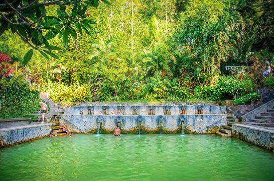 Banjar Hot Springs: Main Pool