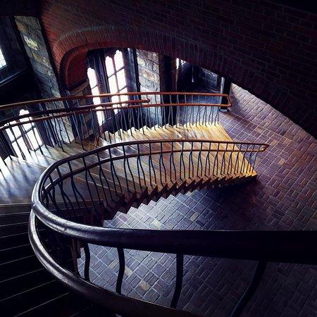 Πολεμικό Μουσείο Φλάνδρας: The main staircase