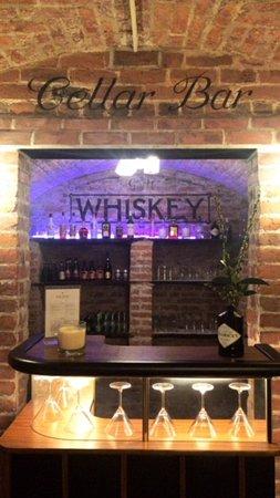 Garthmyl, UK: Cellar Bar
