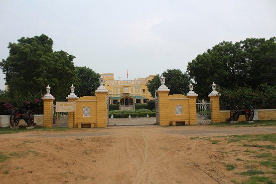 Roop Niwas Kothi
