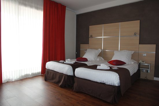 chris 39 tel hotel updated 2018 prices reviews le puy en. Black Bedroom Furniture Sets. Home Design Ideas