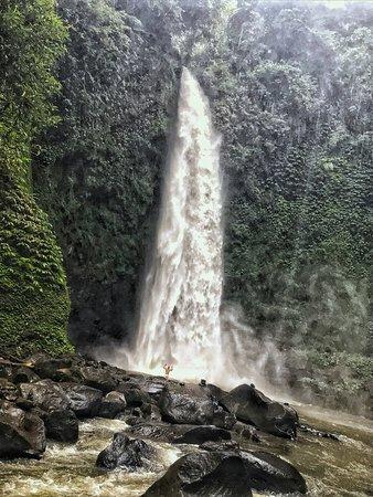 Nungnung, إندونيسيا: Vodopády Nungnung a já tam samotný