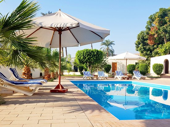 Hotel Sheherazade: swimming pool - Schwimmbecken - piscine