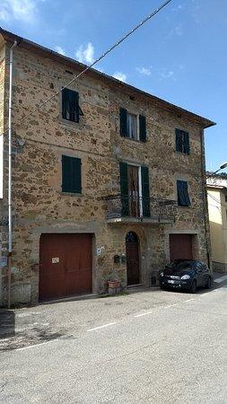 Chianni, Italia: IMG_20180408_061522011_large.jpg