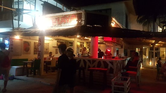 Aplaya the Beach Bar & Italian Restaurant: 20180411_211710_large.jpg